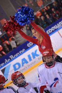 pompom hockey 3