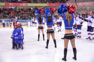 pompom hockey 8
